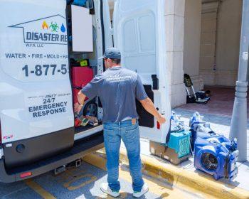flood-restoration-crew