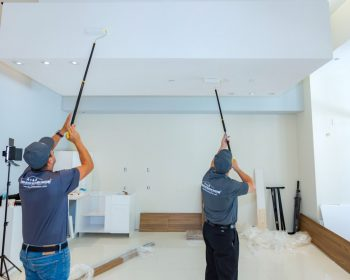 water-damage-restoration-company-crew
